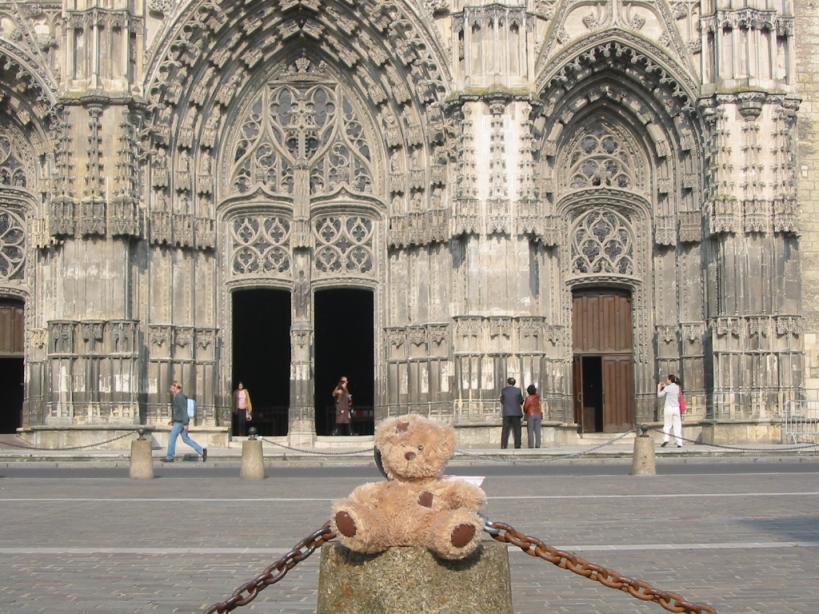 Devant la cathédrale de Tours